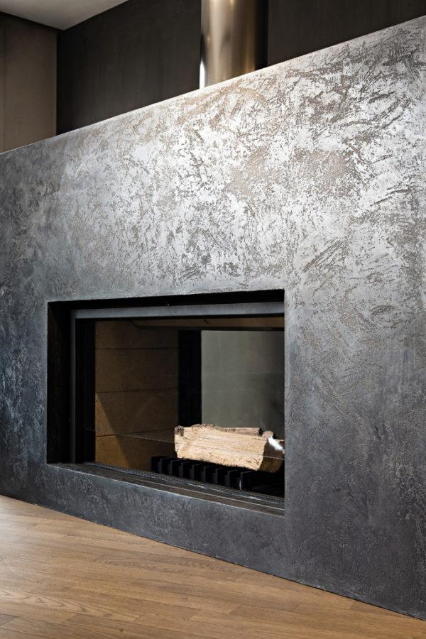 Rivestimento in resina, calce e polvere di grafite anno: 2010