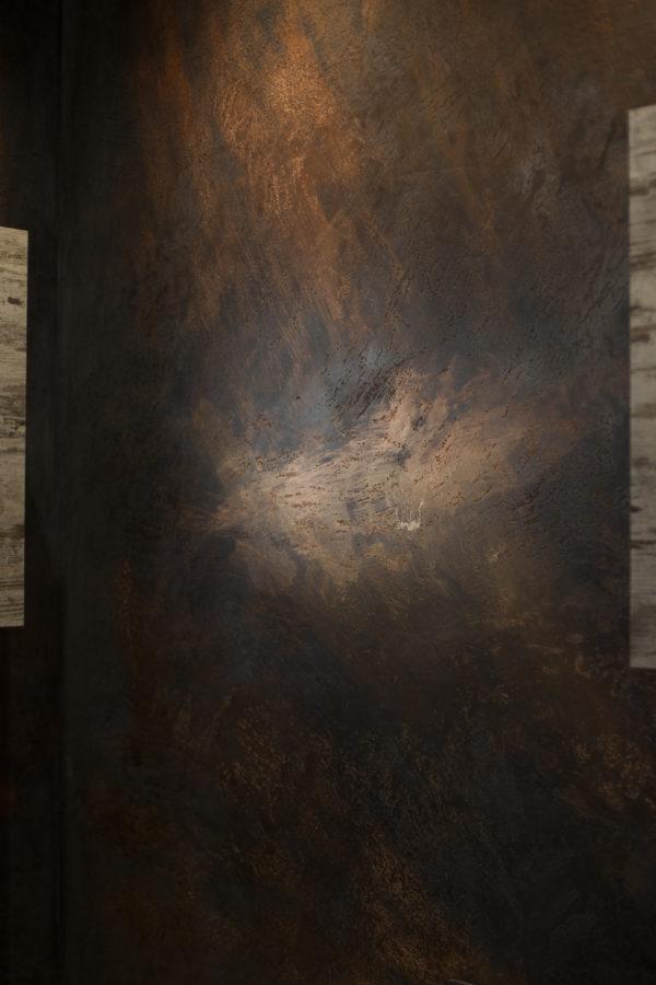 Grazia Lombardi. Pareti gioielleria; muro in resina e calce; grafite; rame; anno: 2017
