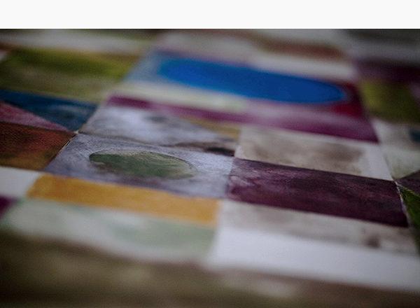 PAVIMENTO DIPINTO - Pavimento in resina a base calce dipinto con acquerelli e pastelli secchi