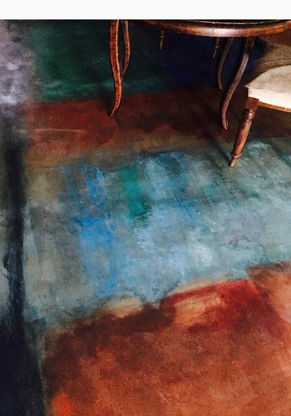 Tappeto dipinto - Inserto pavimentale in resina dipinto con acquerelli e pastelli secchi